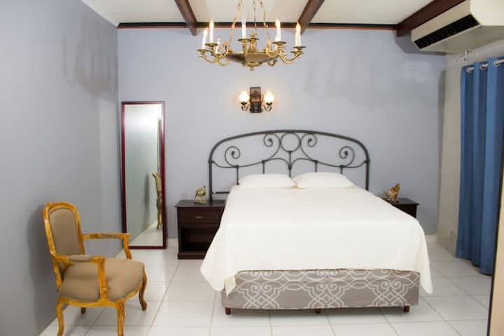 Habitacion sencilla, precio por noche.