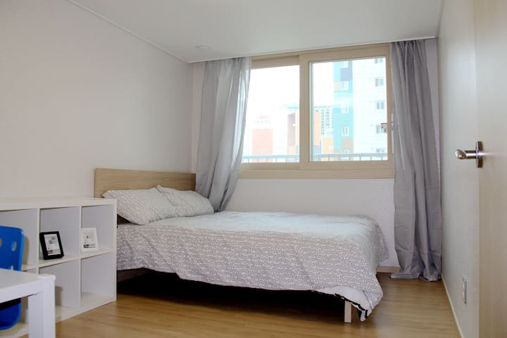 Brand new apartment downtown Seoul.