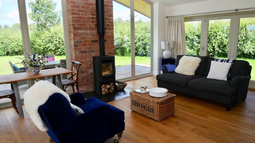 The Granary: luxury bolt hole, peace and quiet