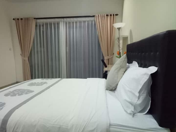 Cozy cheap big clean room near 66 beach RM 4