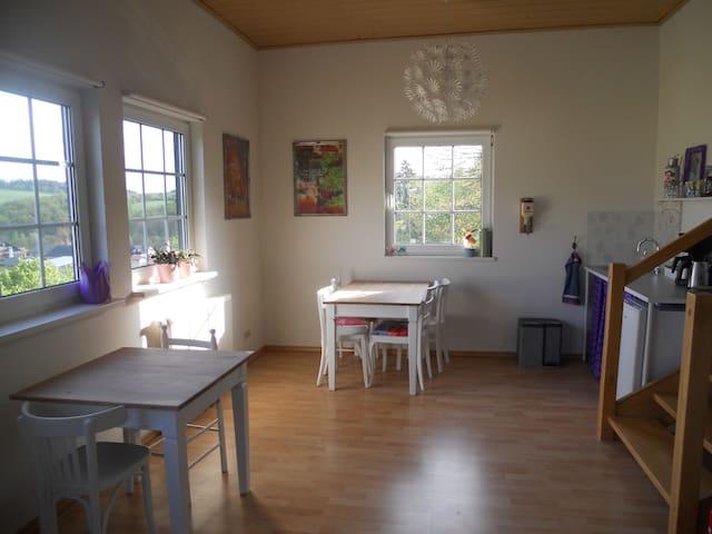 Algemene ruimte waar ontbijt geserveerd word
