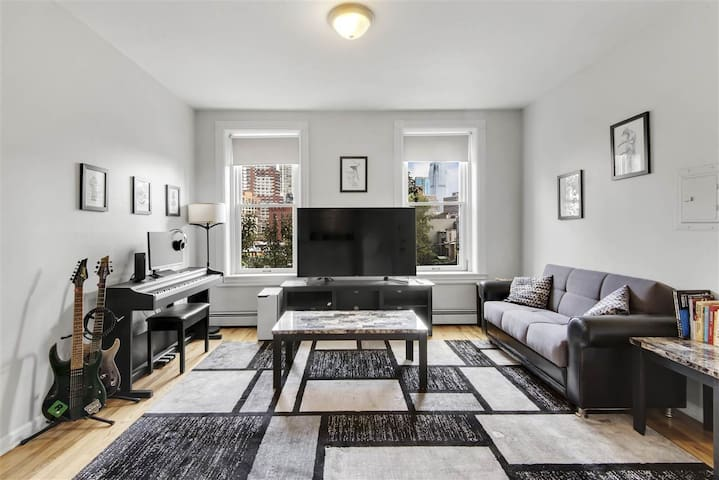 Cozy, updated 1BR in Downtown Jersey City
