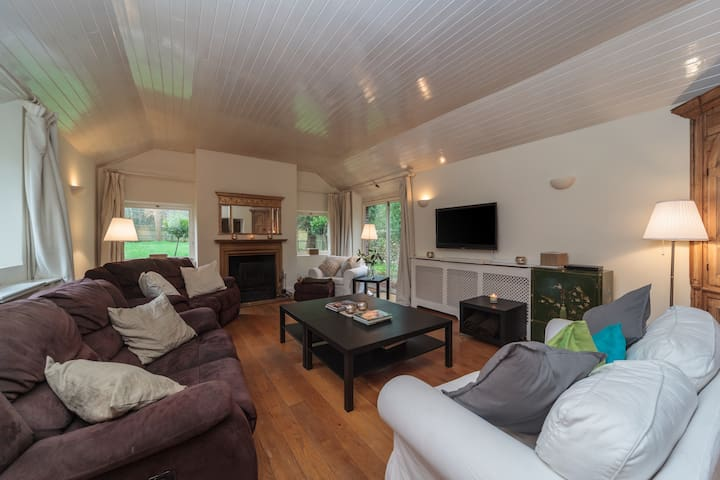 Country Home in Picturesque Village - Westdean - Hus