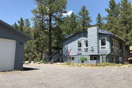 Beulah, CO Mountain home for 1-6 people