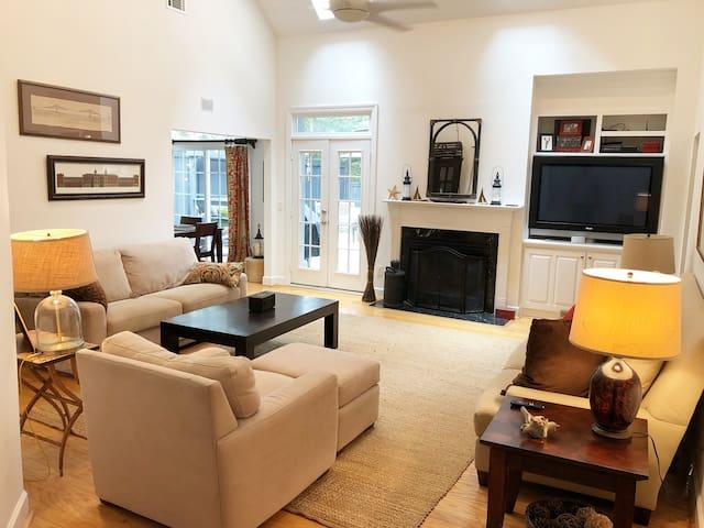 Best location to Historic Charleston and beaches