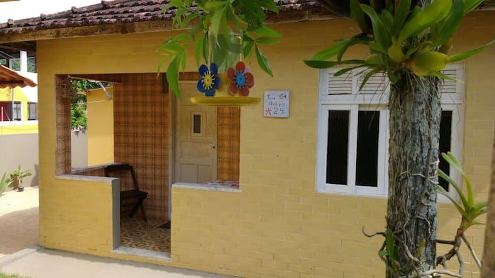 Casa Ipê Amarelo em Provetá, Ilha Grande