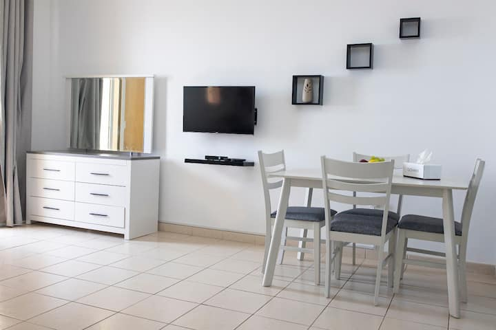 Luxury Furnished 1 Bedroom Apartment @ IC D1