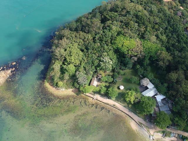 Imagem aérea da Casa do Pôr do Sol. Foto: @mariooalves.