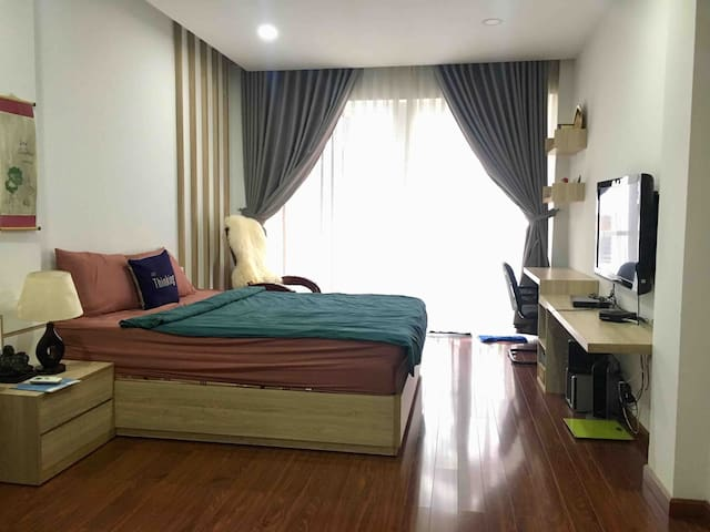 Linh's house: Spacious & stylish room with hot tub
