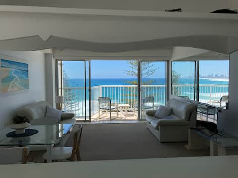 2 Bedroom Unit in Burleigh Heads