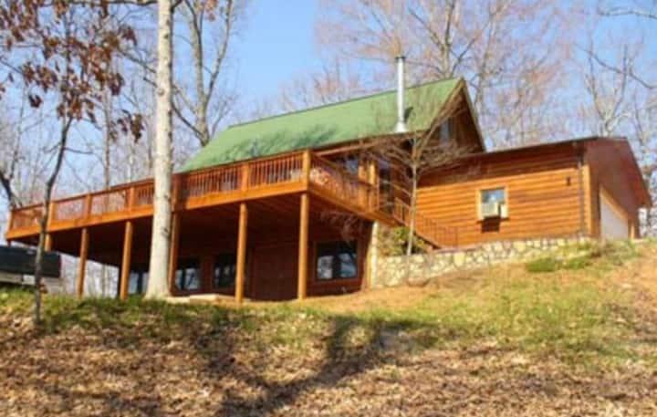 Hillside Lodge at Cedar Cliff