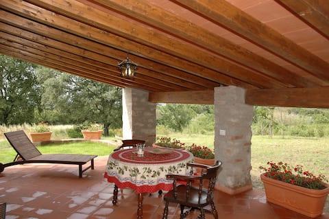 La Villa 9, cottage Rondine, 2 p. 10 km to the sea