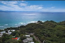 Amazing location right near the Pass Beach and an easy walk to the Lighthouse or Town