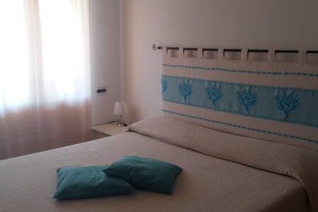 Lovely house 500mt from the beach - Porto Ottiolu - Byhus
