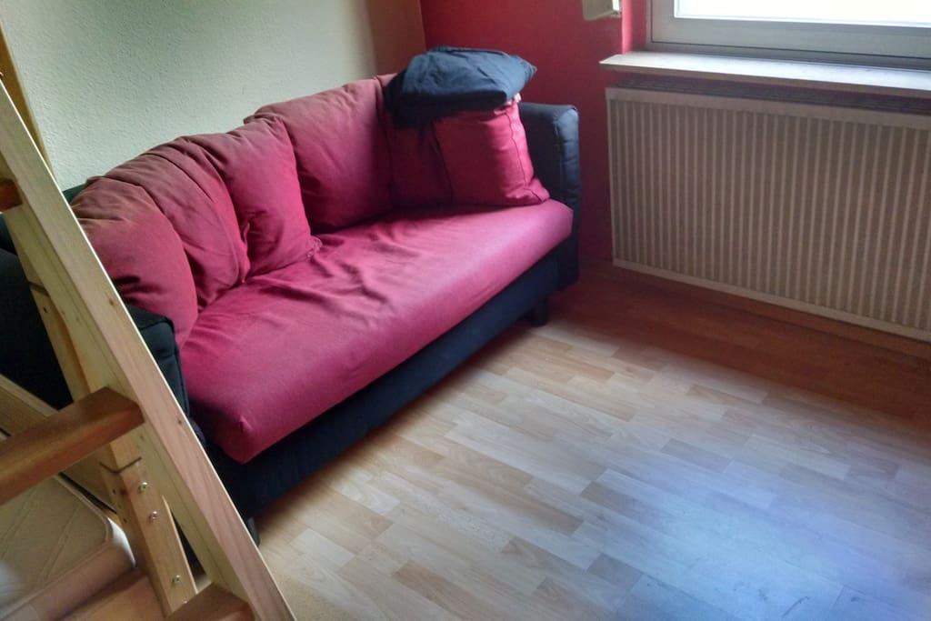 ruhiges zimmer im zentrum wohnungen zur miete in br hl nordrhein westfalen deutschland. Black Bedroom Furniture Sets. Home Design Ideas