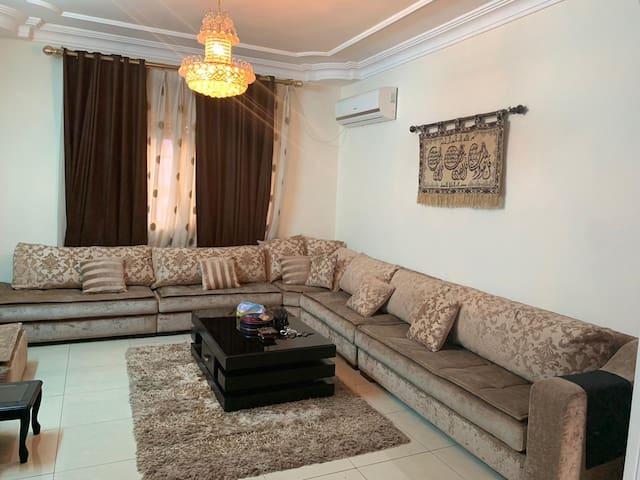 luxury villa -  فيلا راقيه بالحي الشرقي