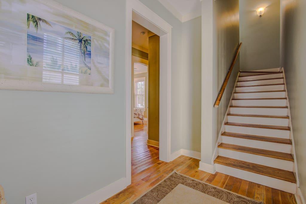 Hardwood,Floor,Flooring,Indoors,Room