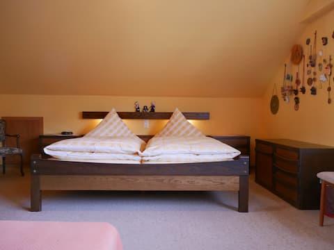 Haus Berger, (Wehr), Ferienwohnung 2, 80qm, Pergola, 2 Schlafzimmer, max. 6 Personen
