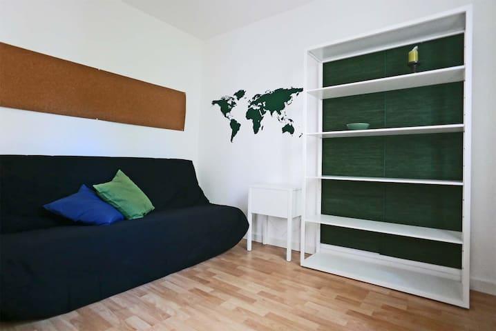 Appartement mit Terrasse im ruhigen Hinterhof