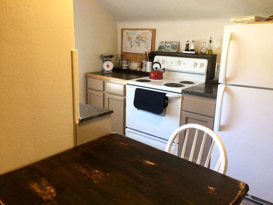 Kitchen with all cooking amenities