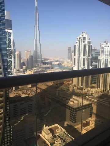 belle chambre vue sur burj khalifa a business bay
