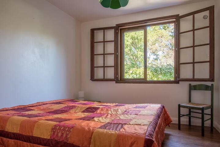 chambre 2 avec lit double de 1m60