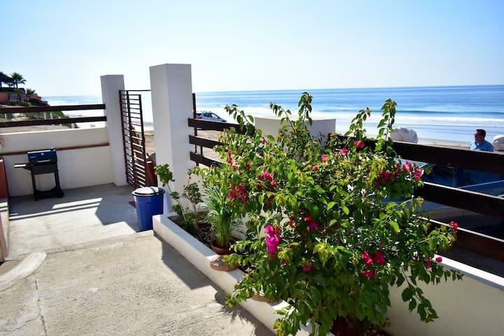 Surfers Paradise Oceanfront Oceanview Cozy Villa