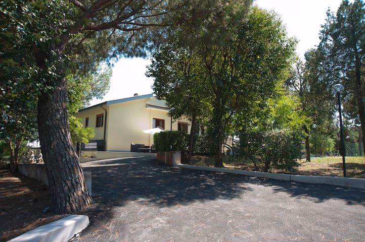 Domus in viridi (NOME DELLA CAMERA SUBURRA) - Roma - Villa