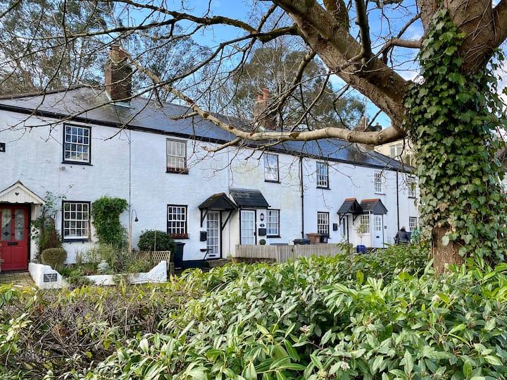 2021 Refurbished Cottage in centre of Kingsbridge