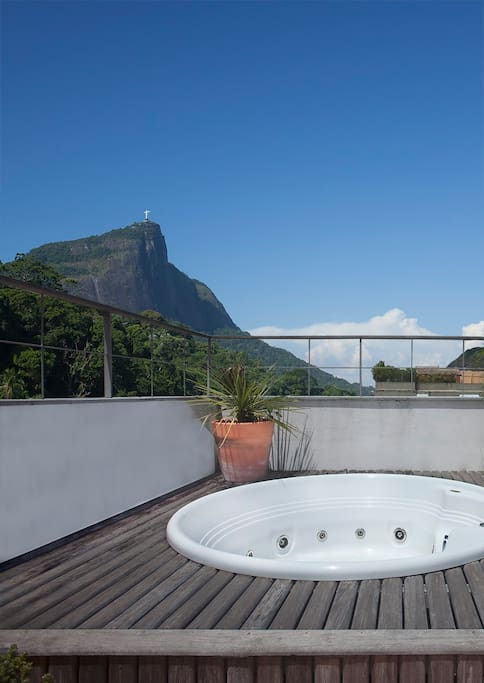 Top deck with Jacuzzi (3rd Floor, Corcovado view)