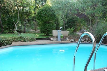 LA  VILLA TERRE NEUVE  **  piscine, jacuzzi,wi fi
