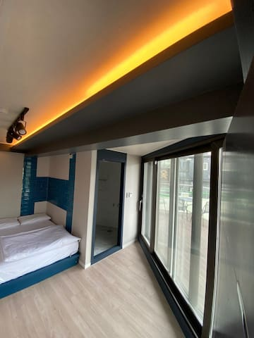 Itaewon Terraces - Double room private bathroom