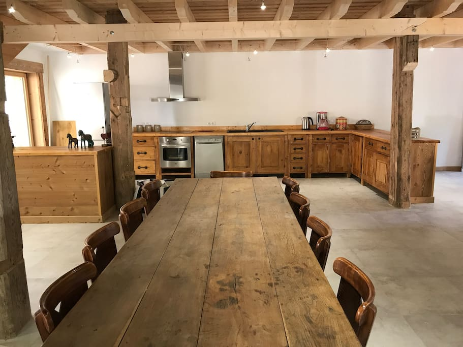 Cuisine et salle à manger - Location Samoëns - Ferme dans les Etoiles