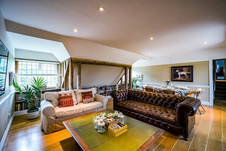 The Penthouse / 3-bed home on Osea Island, Essex