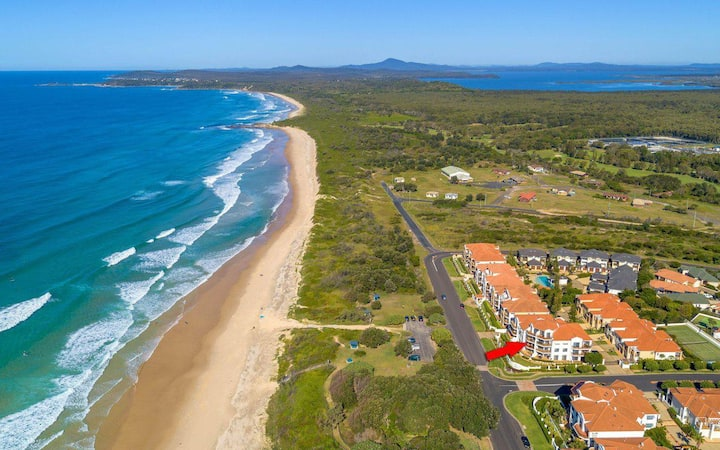 The Sands 7-  great ocean views Free Wi-Fi Smart TV