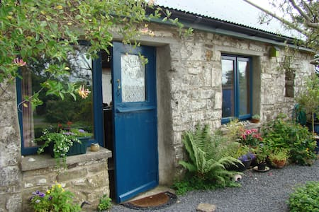 A calm comfortable cottage off the beaten track