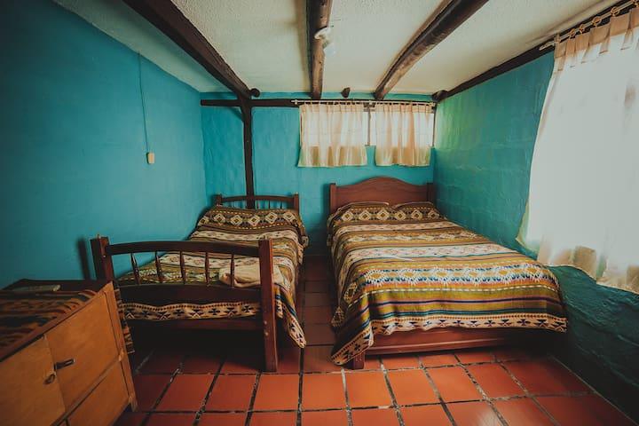 Casa Zulay-Habitación familiar con baño privado