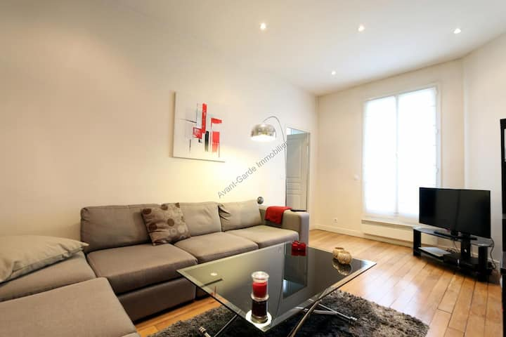Very nice flat in a bourgeois area of Paris