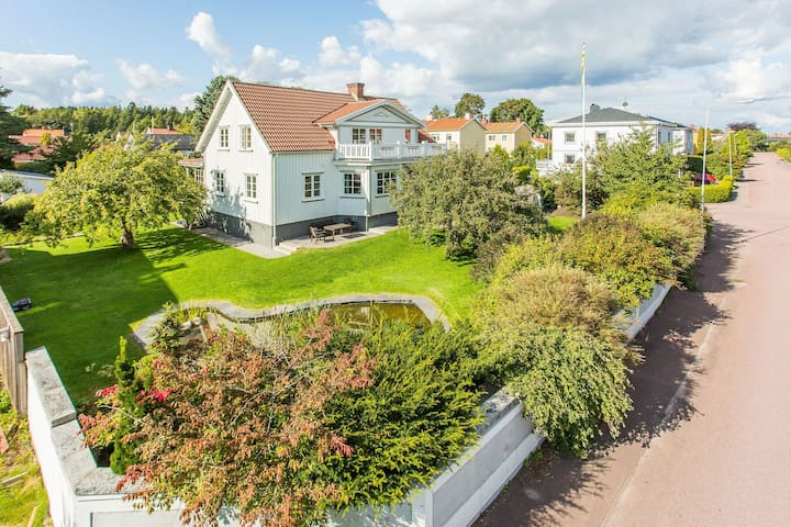 Stor charmig 20talsvilla med hög standard - Karlstad