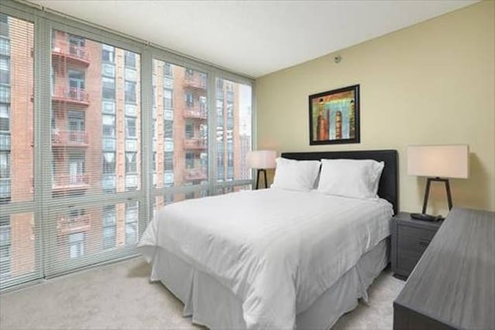 Lux Chicago Theater Dist 1 Bedroom w/wifi - Chicago - Apartment