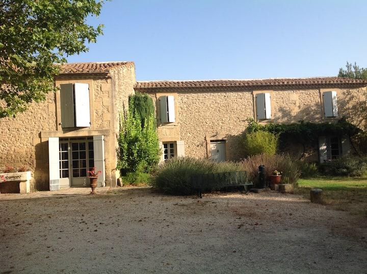 Mas Provençal 19 siècle, 4 étoiles, Parc clôturé