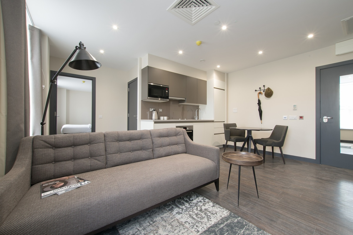 Cannon Street One Bed Apartments   Apartments For Rent In London, England,  United Kingdom