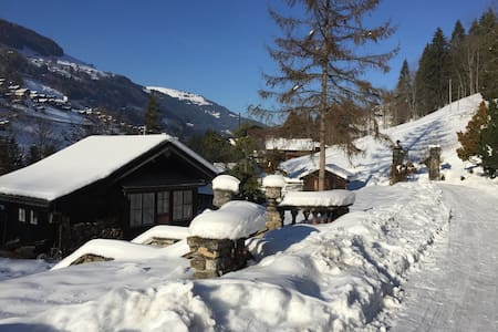 Authentic chalet for mountain lovers great for ski