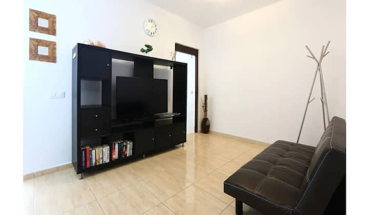 "Cozy Apartment ""Holiday Apartment Lanzarote C"" with Fast Wi-Fi; Parking Available"