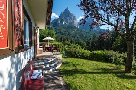 Chalet Adriana in Seis im Herzen der Dolomiten - Siusi - 別荘
