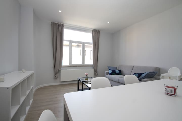 Cozy apartment 10 min to downtown Brussels!