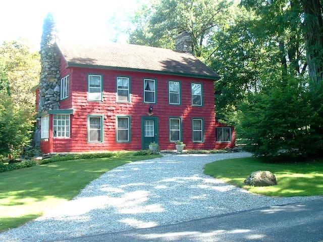 Charming Farmhouse on Magical  Berkshire Estate