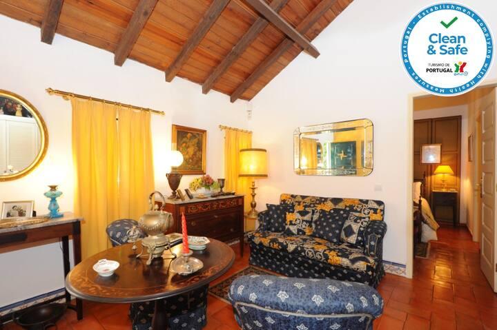 Cozy cottage near Lisbon and Sintra
