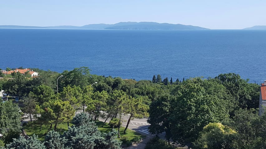 Coasy 3 bedroom flat with an amazing view - Rijeka - Daire