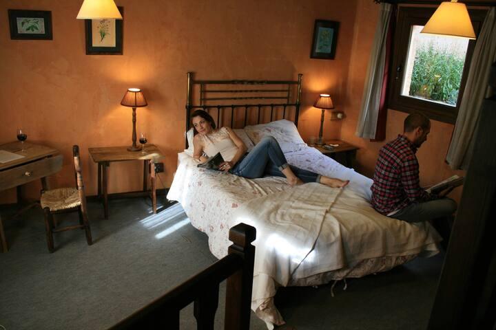 Hotel Rural Abejaruco en un castañar en Gredos
